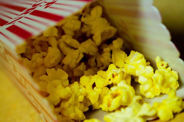 10 Alternatives to Movie Theatre Popcorn